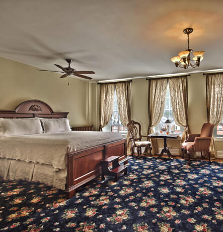 Two-Room Suite, King Bed, Sitting Room, Electric Fireplace, Whirlpool Tub,Wi-Fi, HDTV
